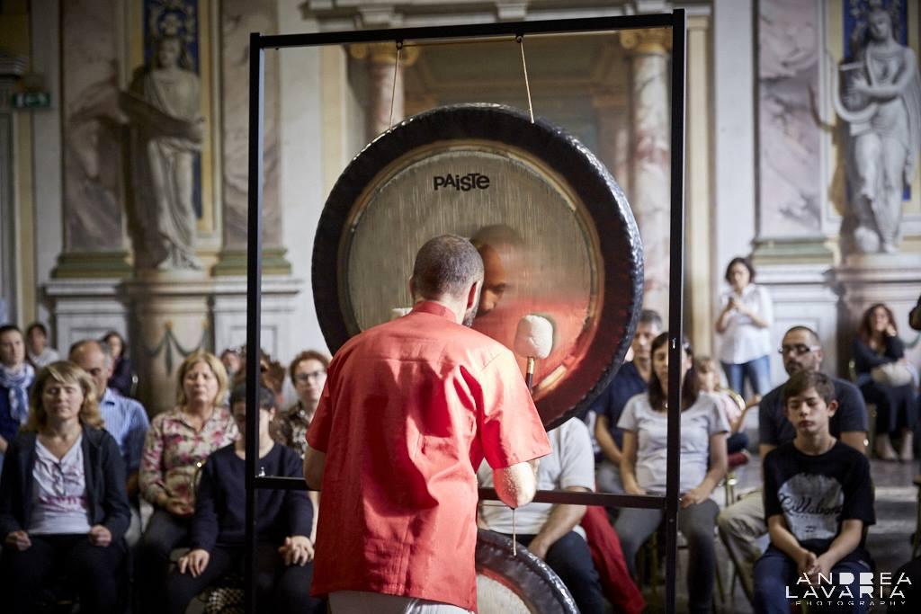 Bagno di Gong Alma Matters Milano