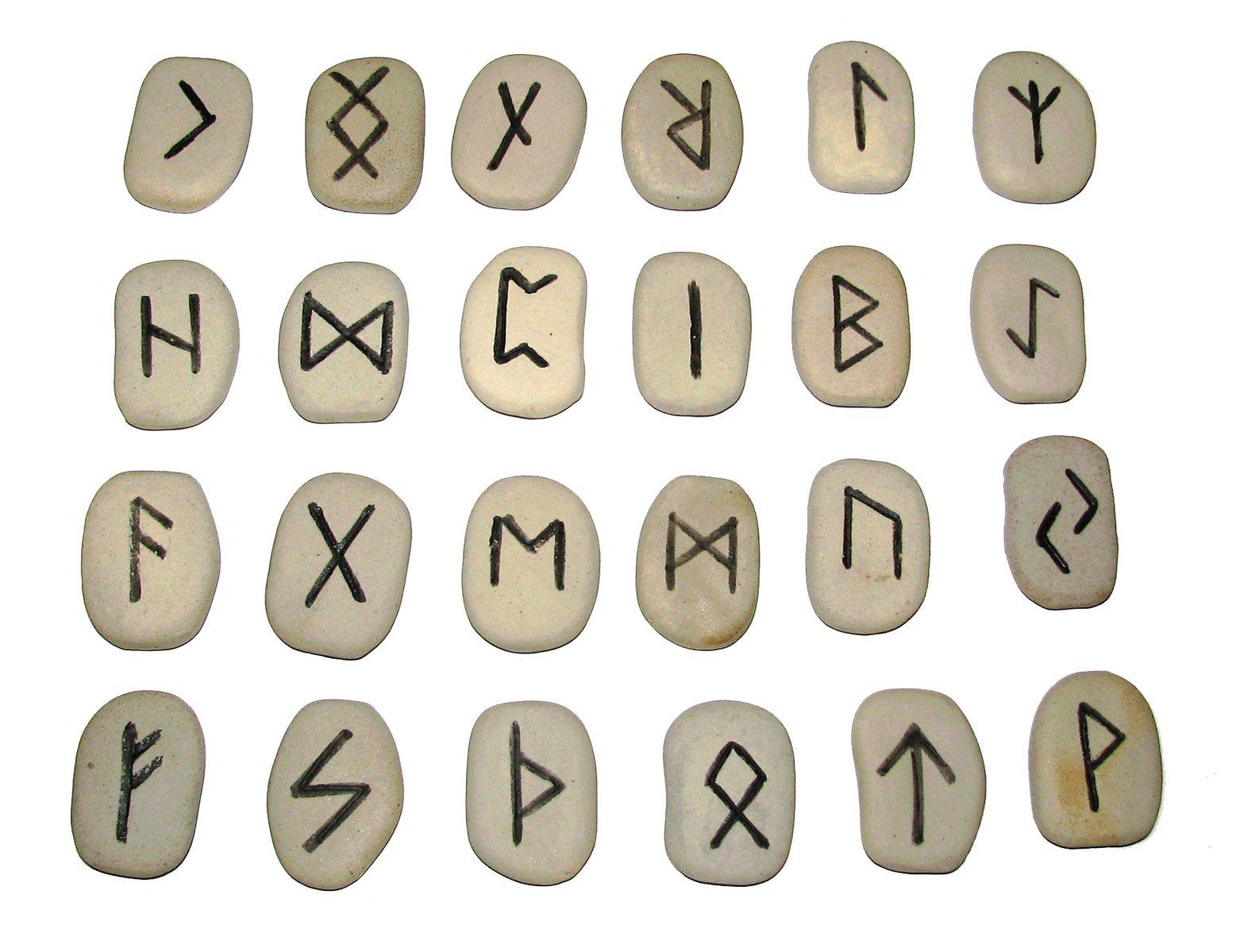 Corso di runologia Alma Matters Milano